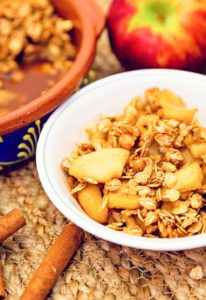 apple crisp, apple, recipe, vegan, vegetarian, whole food plant based, wfpb, gluten free, oil free, refined sugar free, no oil, no refined sugar, no dairy, dessert, sweets, dinner party, entertaining, simple, healthy
