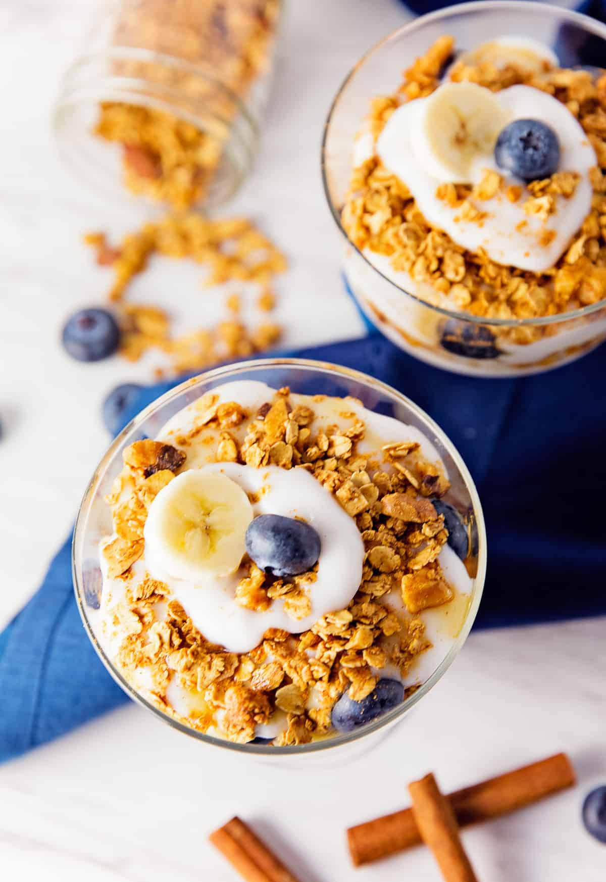 banana cinnamon parfait, banana parfait, cinnamon parfait, fruit parfait, blueberry parfait, blueberries, banana, parfait, recipe, vegan, vegetarian, whole food plant based, oil free, no oil, refined sugar free, no refined sugar, breakfast, dessert, simple, east, fast, 30 minutes, healthy, vegan parfait, whole food plant based parfait, whole food plant based recipe, whole food plant based breakfast, gluten free, gluten free recipe, gluten free breakfast, granola, berries, maple syrup, cinnamon, oats, minimally processed, meals, unprocessed