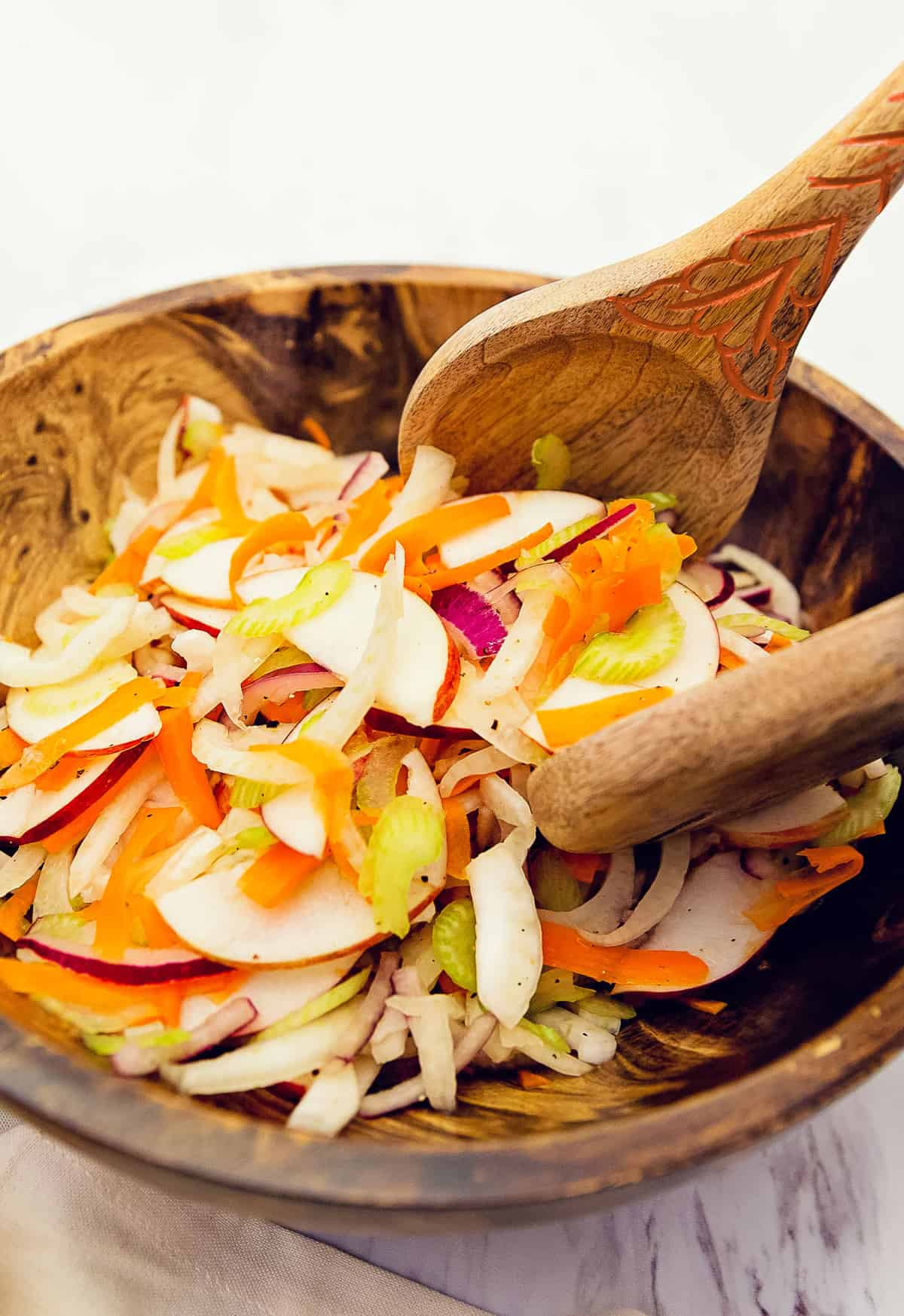 refreshing fennel salad, fennel, apple, recipe, vegan, vegetarian, whole food plant based, wfpb, gluten free, oil free, refined sugar free, no oil, no refined sugar, dinner, lunch, side, salad, 30 minutes, fast, quick, simple, healthy