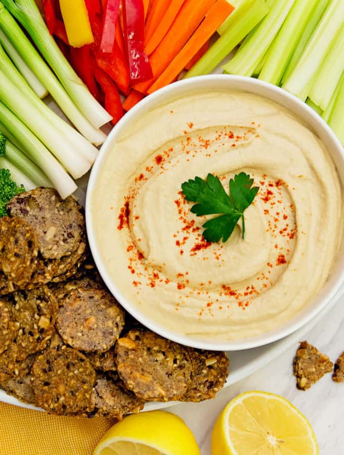 the best hummus, hummus, recipe, vegan, vegetarian, whole food plant based, wfpb, gluten free, oil free, refined sugar free, no oil, no refined sugar, no dairy, dinner, lunch, side, appetizer, dinner party, entertaining, simple, healthy