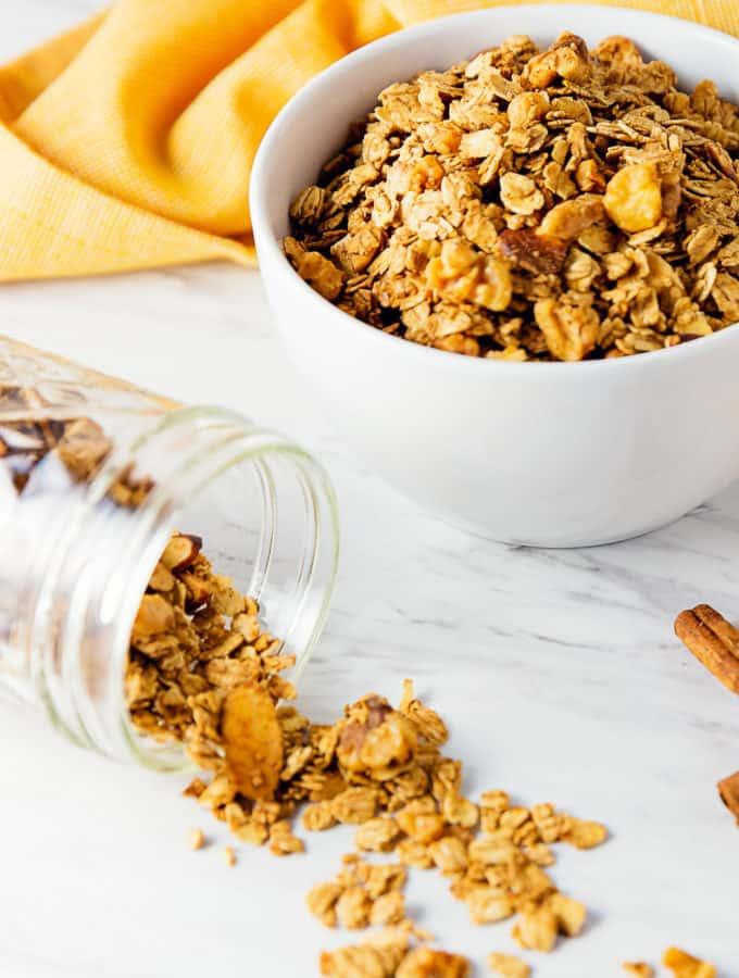 simple granola, granola, vegan, vegetarian, whole food plant based, gluten free, recipe, wfpb, healthy, oil free, no refined sugar, no oil, refined sugar free, breakfast, dessert, snacks, easy, fast, quick, dairy free,