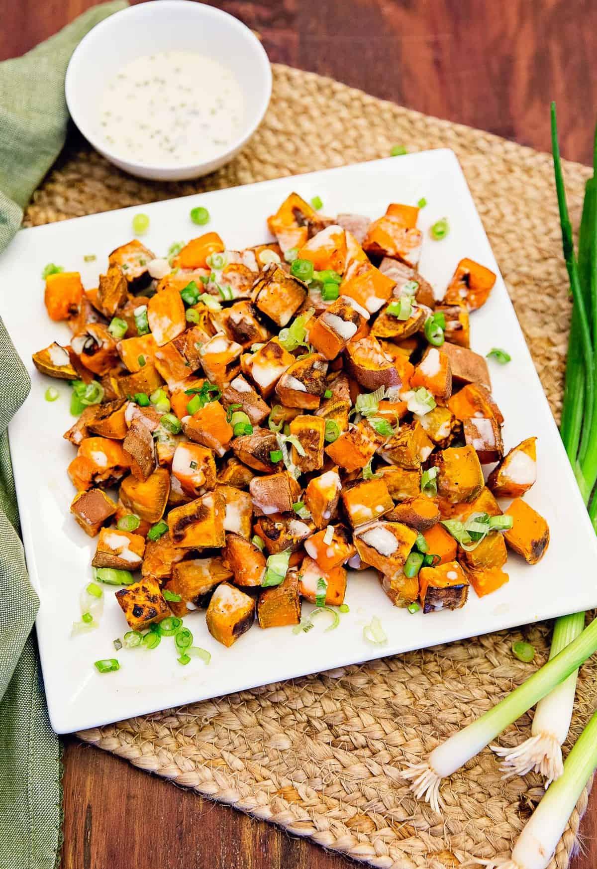sweet potatoes with tahini sauce, sweet potatoes, potatoes, tahini sauce, tahini, sauce, recipe, whole food plant based recipe, vegan, vegan recipe, vegetarian, vegetarian recipe, dairy free, no oil, oil free, refined sugar free, no refined sugar, dinner, lunch, side, entertainment, picnic, healthy recipe, healthy, meals, gluten free, gluten free recipe, easy, simple,