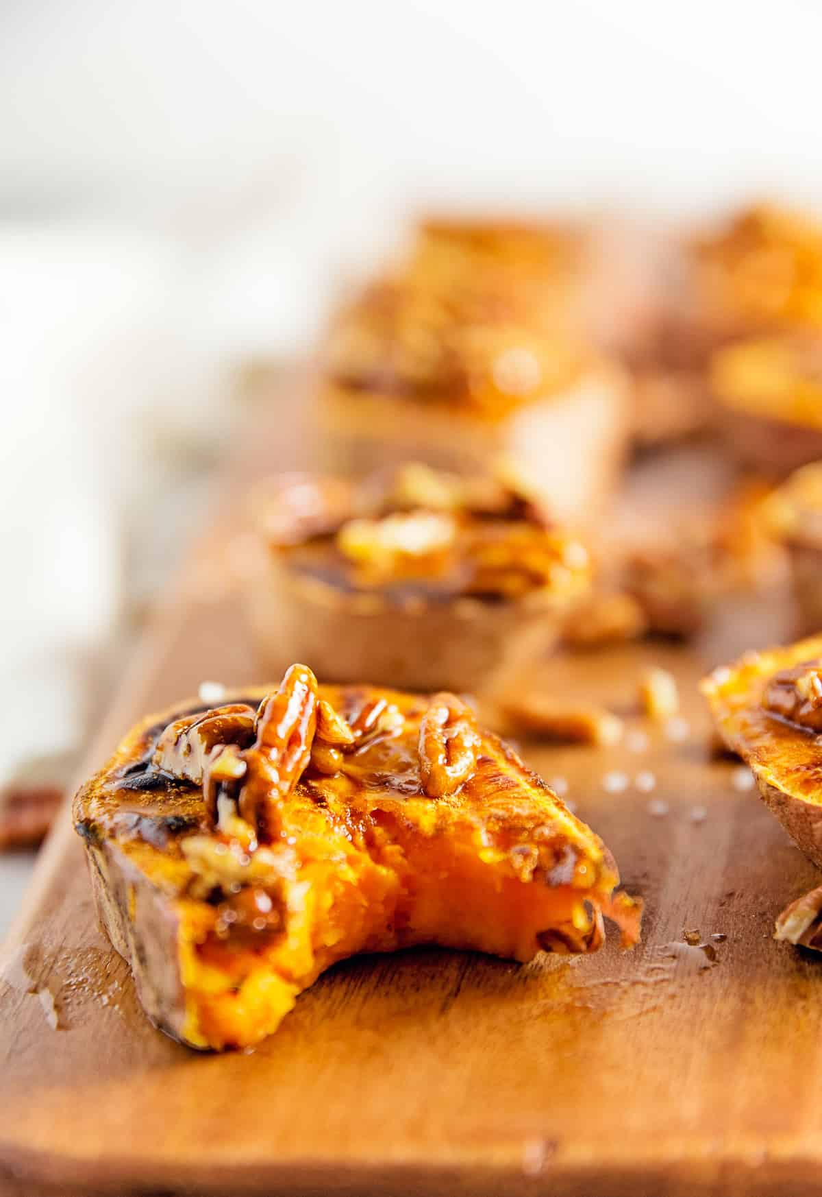 glazed pecan sweet potato rounds, sweet potatoes, recipe, vegan, vegetarian, whole food plant based, wfpb, gluten free, oil free, refined sugar free, no oil, no refined sugar, no dairy, dinner, lunch, side, appetizer, dinner party, entertaining, simple, healthy
