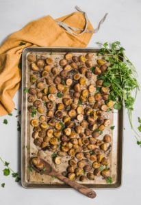 Seasoned Oven Roasted Baby Potatoes, plant based, vegan, vegetarian, whole food plant based, gluten free, recipe, wfpb, healthy, healthy vegan, oil free, no refined sugar, no oil, refined sugar free, dairy free, dinner party, entertaining,