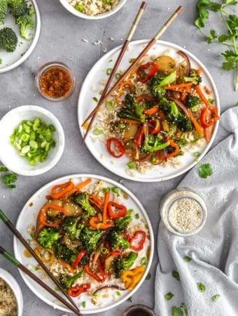 Asian Veggie Stir Fry, plant based, vegan, vegetarian, whole food plant based, gluten free, recipe, wfpb, healthy, healthy vegan, oil free, no refined sugar, no oil, refined sugar free, dairy free, veggies, vegetables, stir fry, dinner, rice, Asian recipes