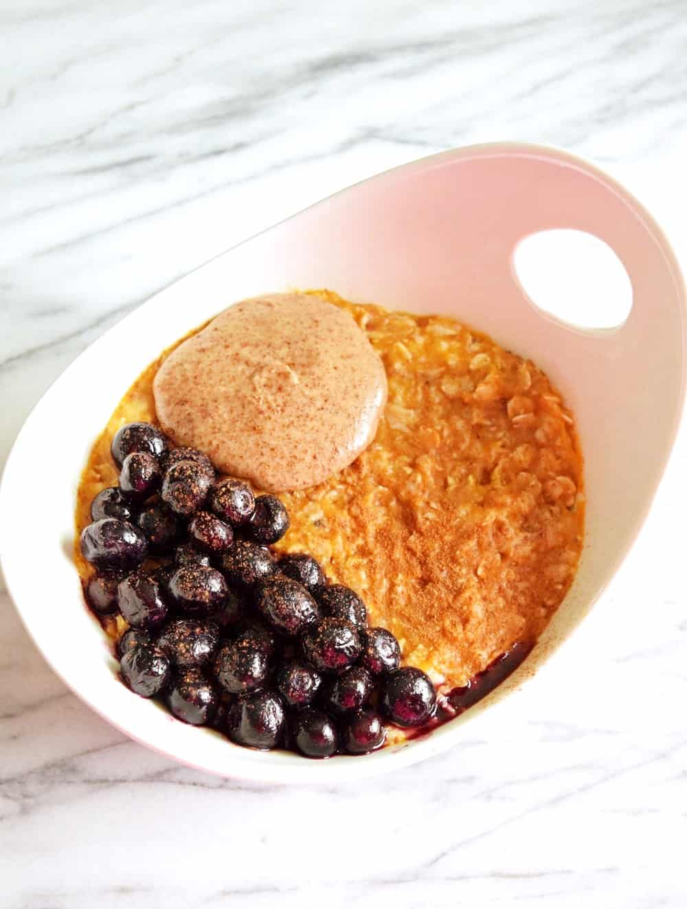 bowl of vegan pumpkin spice oatmeal