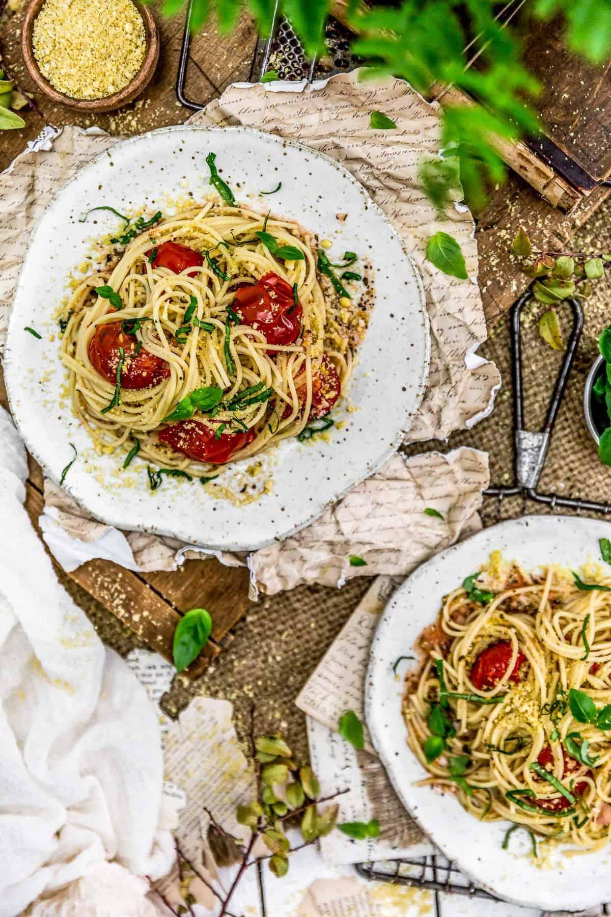 Tablescape of Italian Fresh Tomato Basil Pasta