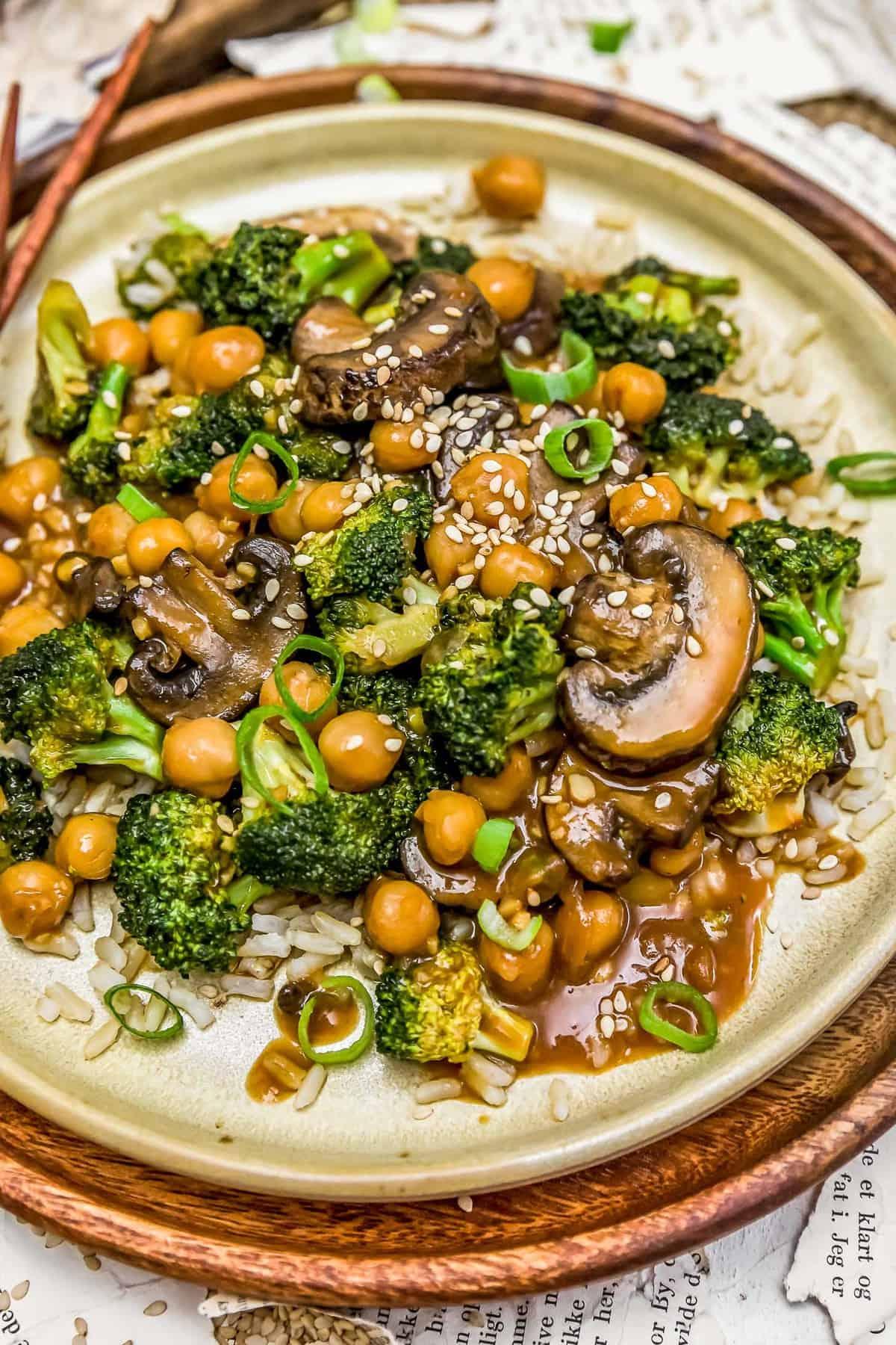General Tso's Broccoli Mushroom Stir Fry