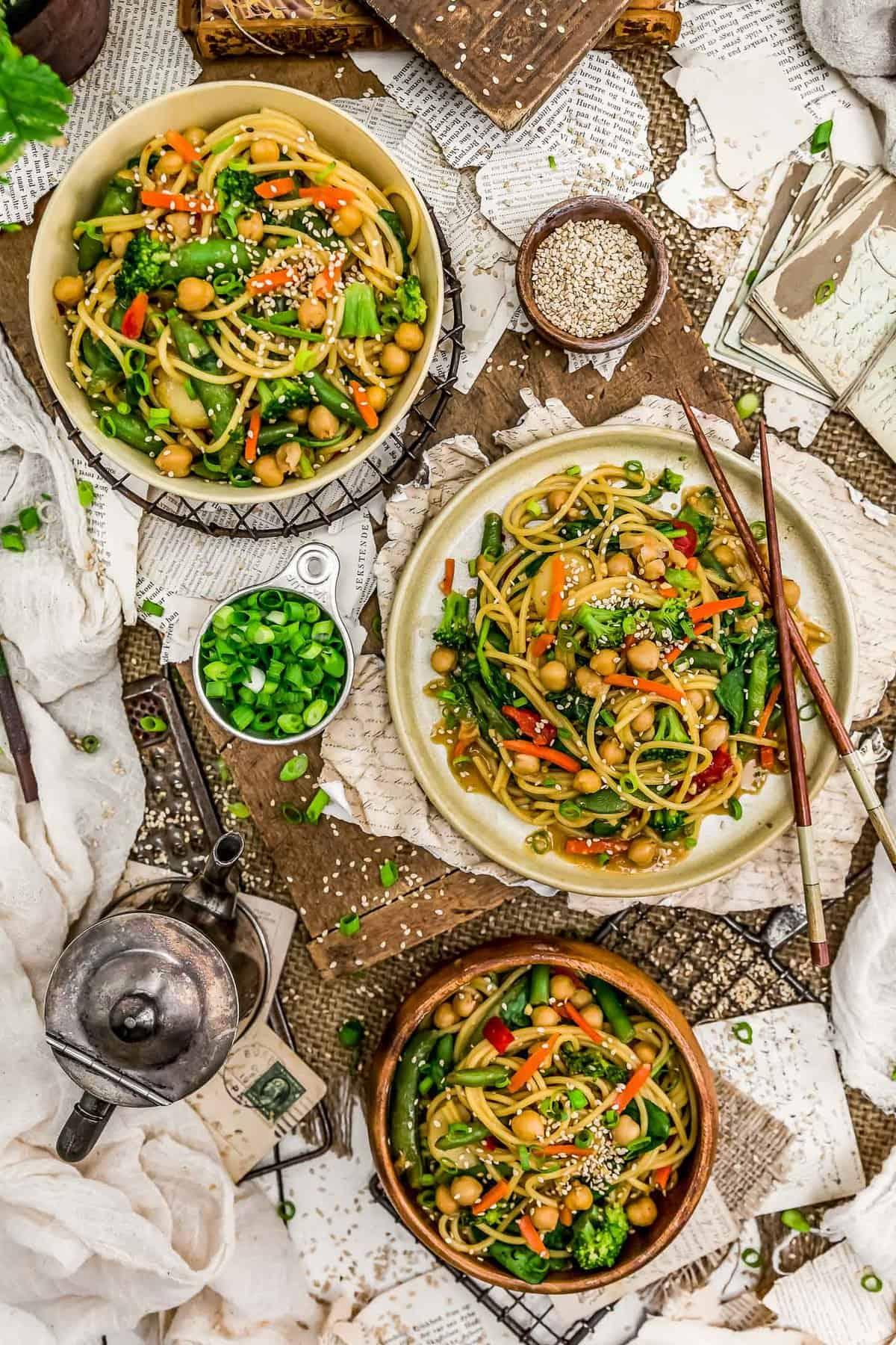 Tablescape of Veggie Lo Mein