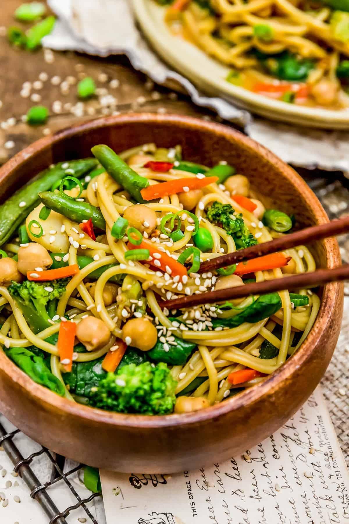 Veggie Lo Mein in a bowl