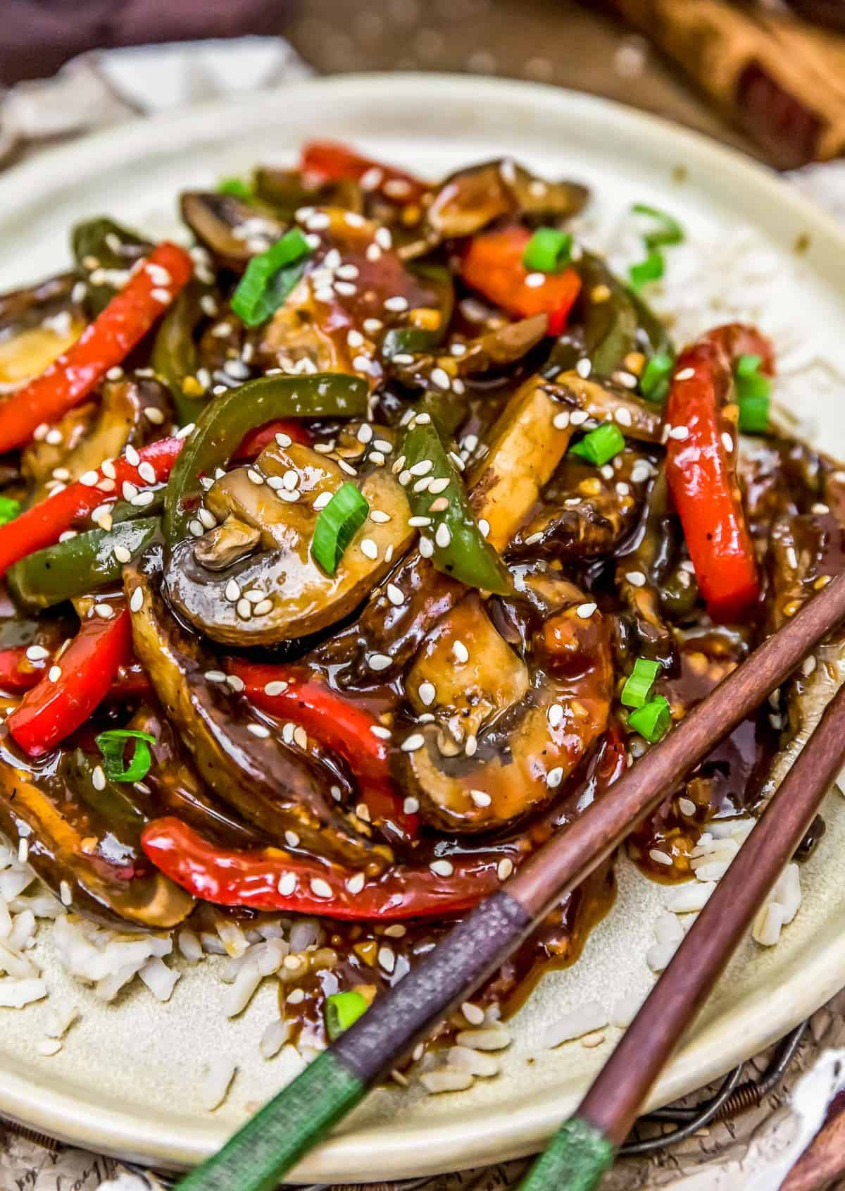 "Plated Vegan Chinese Pepper ""Steak"""