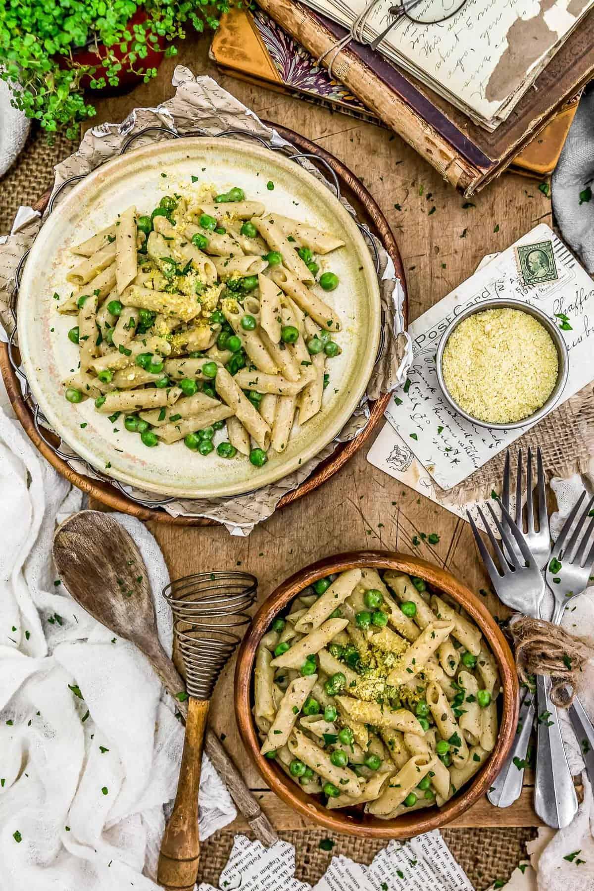 Tablescape of Creamy Garlic Pasta