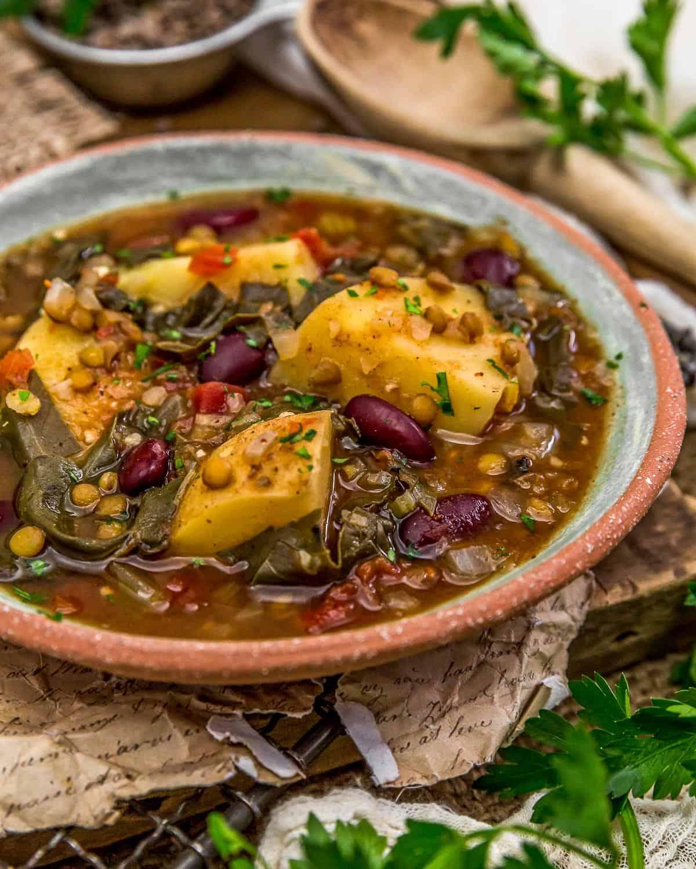 Bowl of Aladdin's Copycat Len-Chili Soup