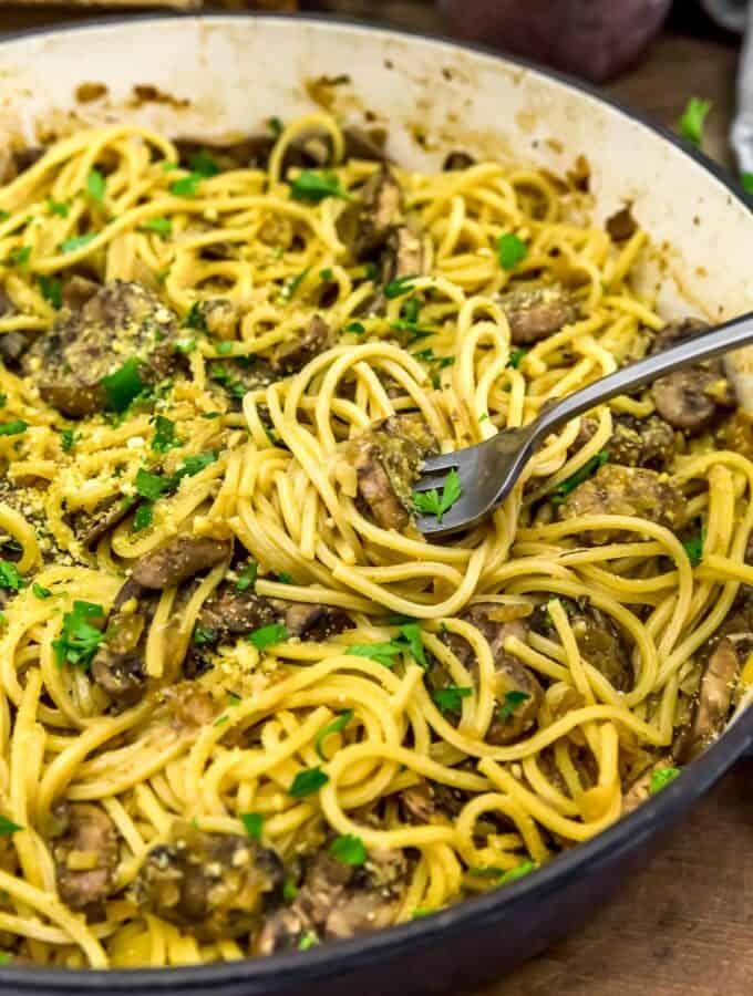 Eating Easy Garlic Mushroom Pasta