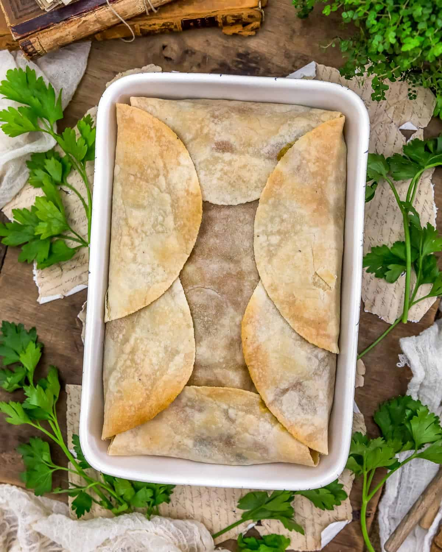 Casserole of Vegan Cheesy Potato and Broccoli Pot Pie